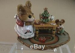 M-330a Where Have All The Cookies Gone Retired Wee Forest Folk w Box Christmas