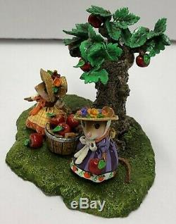 THE ORCHARD Wee Forest Folk M-458yy 2014 Event Piece Retired Limited Ed