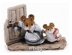 Wee Forest Folk AH-04 Mommy & Missy Green Special (Retired)