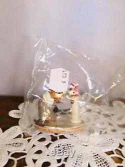 Wee Forest Folk- AT THE MOUSEUM- LTD-05- NIB- Retired 1997- LIMITED EDITION