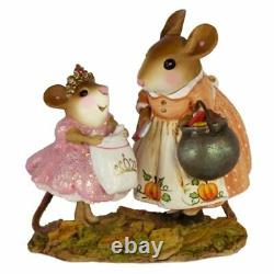 Wee Forest Folk Christmas M-586 Treats for Her Highness RETIRED