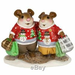 Wee Forest Folk Christmas M-625 Close Knit Couple (RETIRED)