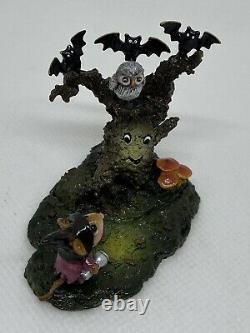 Wee Forest Folk Halloween, Whooo Goes There Donna Peterson 2010 Retired