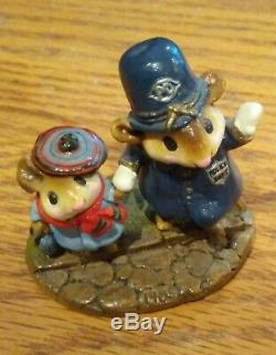 Wee Forest Folk, Helping Hand, retired, full Annette Peterson signature