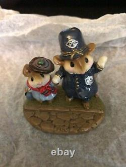Wee Forest Folk LTD-02 HELPING HAND Police Retired 1985 SIGNED Peterson