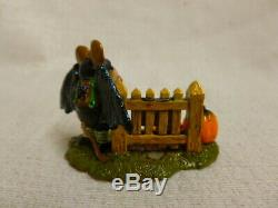 Wee Forest Folk Little Halloween Bat With Pumpkins Special Edition m-345 Retired