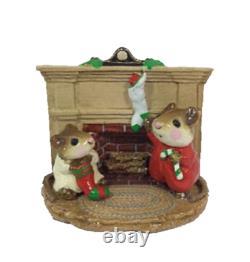 Wee Forest Folk M-092 Christmas Morning (RETIRED)