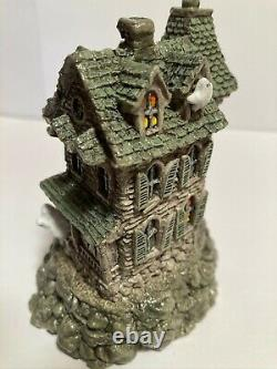Wee Forest Folk M-165 Haunted Mouse House Retired