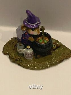 Wee Forest Folk M-215, Something's Brewing in Purple (RETIRED)
