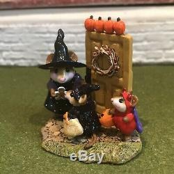 Wee Forest Folk M-280a WELCOME TRICK OR TREATERS Limited Edition & Retired +Box