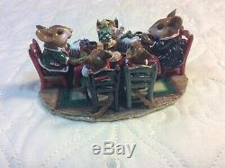 Wee Forest Folk M-302a Christmas Family Gathering (RETIRED)