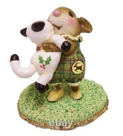 Wee Forest Folk M-355 Cuddle Claws Special (RETIRED)