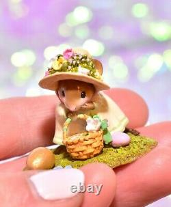 Wee Forest Folk M-389 Big Egg, Little Basket Easter Girl Mouse Retired 2009