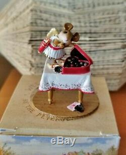Wee Forest Folk M-477 VALENTINE SAMPLER Retired Mint
