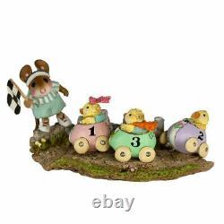 Wee Forest Folk M-609 Racey Chicks (Retired)