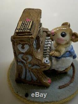 Wee Forest Folk Mouse Pianist Blue Dress Retired in 1984