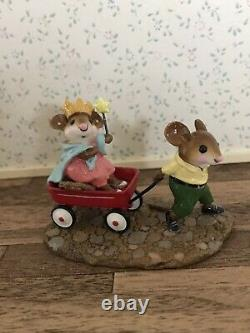 Wee Forest Folk Queen's Carriage MP-2 Mouse Parade 2006Retired