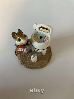 Wee Forest Folk Tidy Mouse M-113, William Peterson 1984 RETIRED