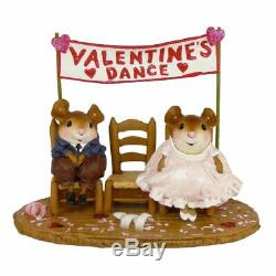Wee Forest Folk WILL HE OR WON'T HE, WFF# M-385, Retired Valentine Mouse