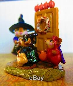 Wee Forest Folk Welcome Trick or Treaters Halloween LE m-280a Retired