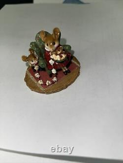 Wee forest folk M-333 A Sneaky Treat retired